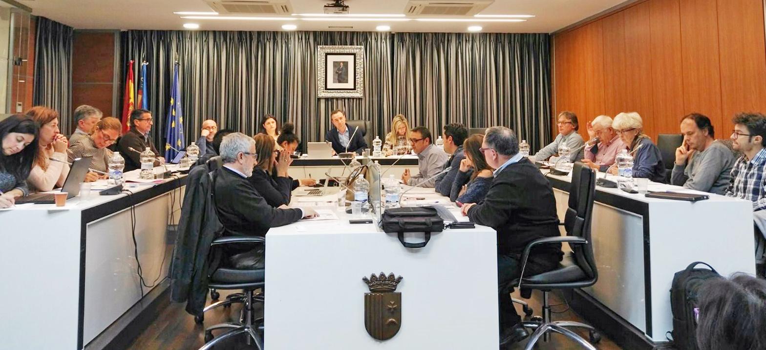 Pleno en el Ayuntamiento de Riba-roja.