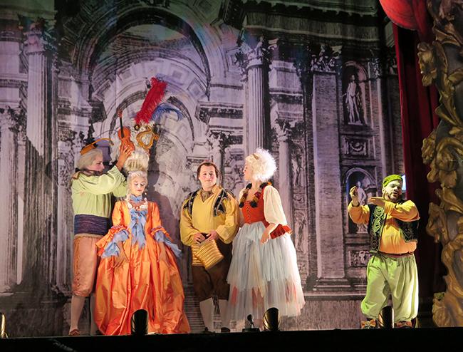 L'òpera sobre rodes, finançada per l'Àrea de Cultura de la Diputació de València, tanca aquesta edició de 2018 a Carlet, després d'haver passat per catorze localitats
