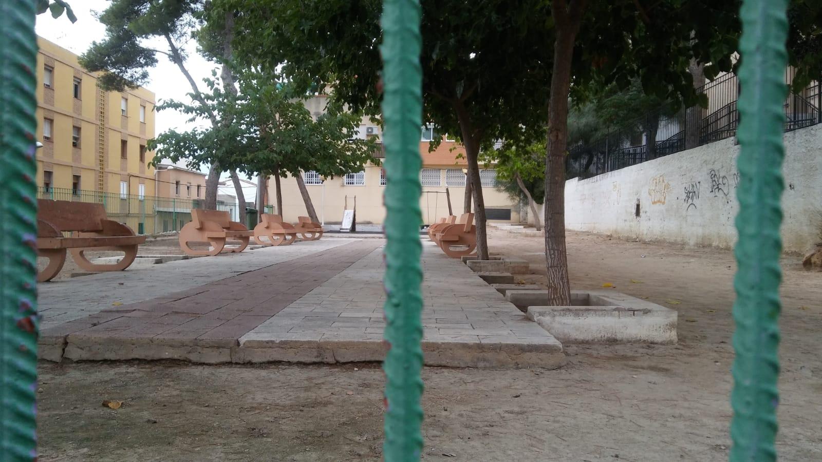 El municipio de la Ribera Alta invertirá los 103.000 euros del plan de Servicios y Obras (SOM) de la Diputació de València en la sustitución del mobiliario y la modernización de sus 6 parques infantiles.