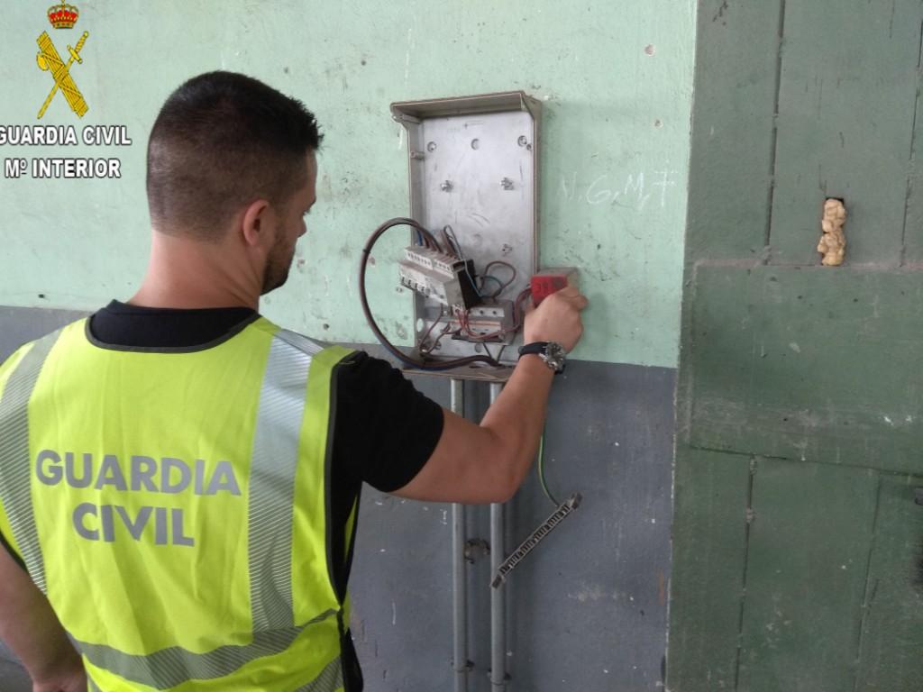 El cobre sustraído de los contadores de luz, ha provocado un gran malestar entre los trabajadores de las empresas ya que no han podido seguir su actividad laboral.