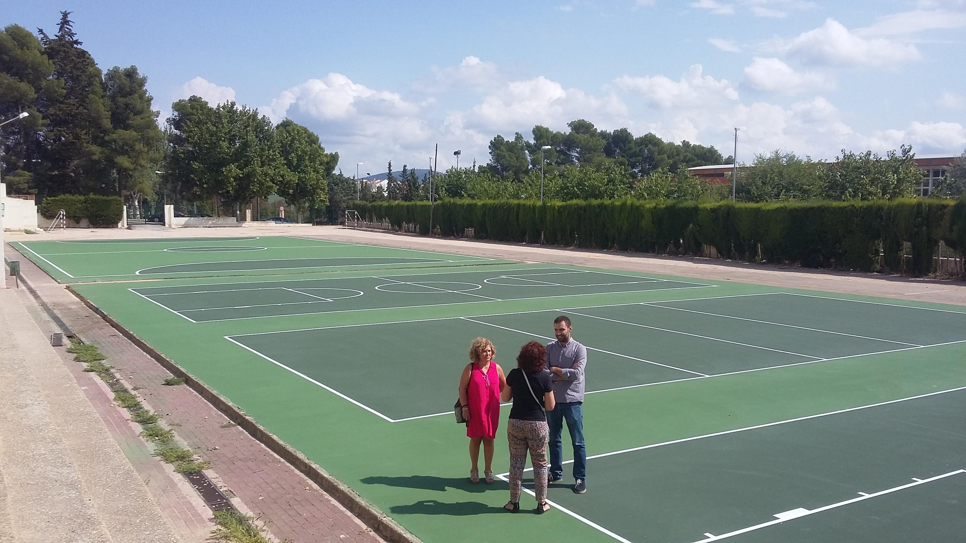 l Ayuntamiento de Requena ha llevado a cabo durante este verano importantes y necesarias intervenciones en los colegios que suponen una mejora muy notable de las instalaciones educativas.