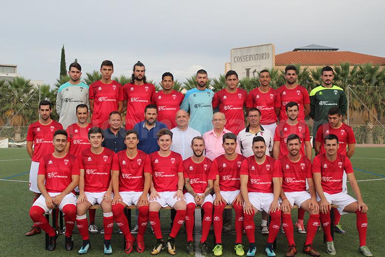 El equipo del CD Turís durante su presentación para esta campaña 2018-19. Foto: Raúl Miralles.