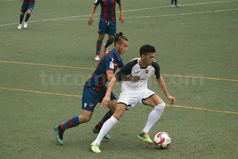 El CD Buñol ha comenzado la liga con empate. Foto: Raúl Miralles.