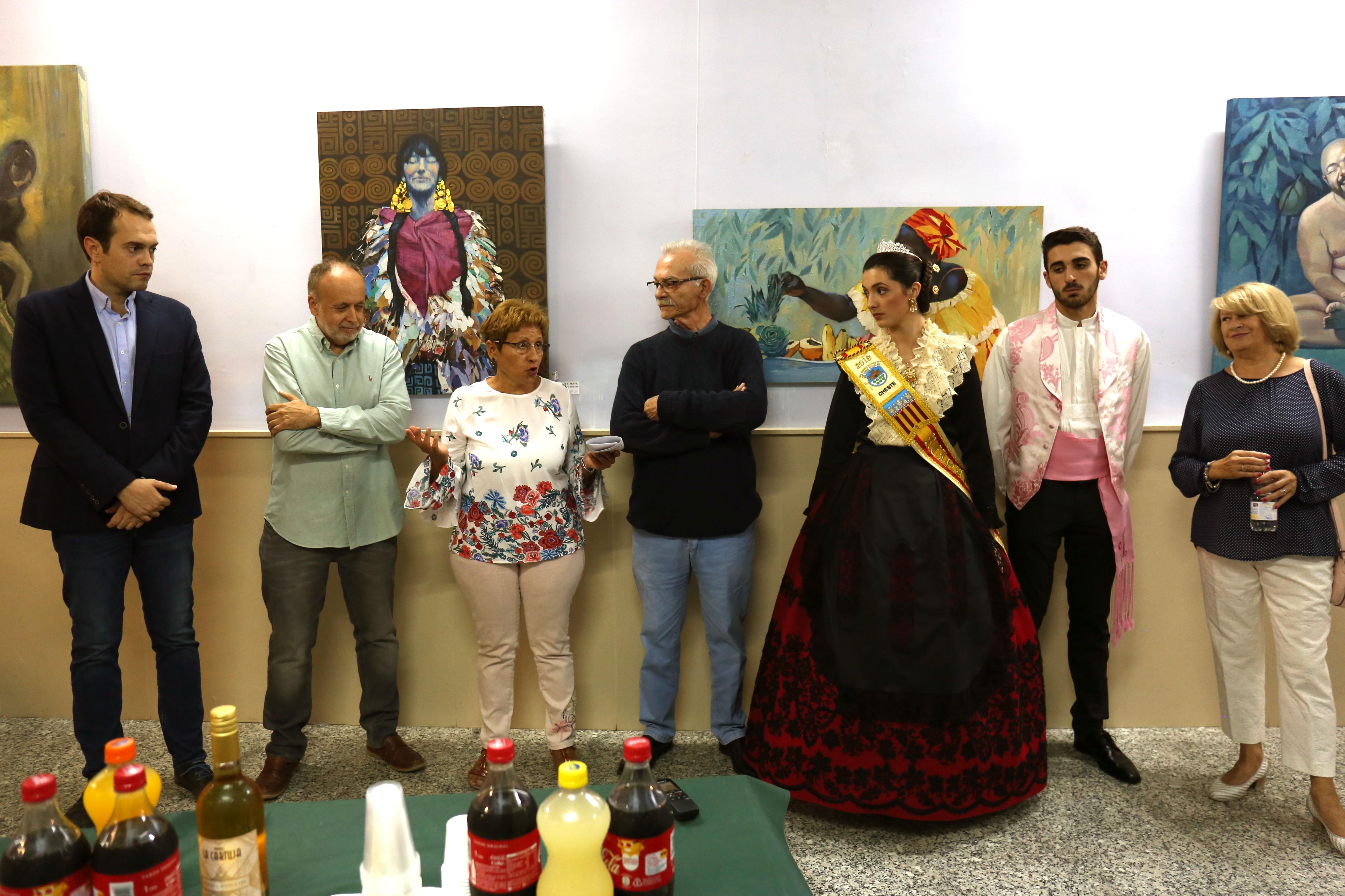 Francisco Farinós y José Pedro Andrés presentan su obra pictórica en el Teatro Liceo de Cheste.