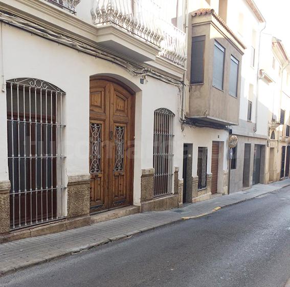 Inmueble de la calle El Molino que ha sido objeto de robo en Buñol.