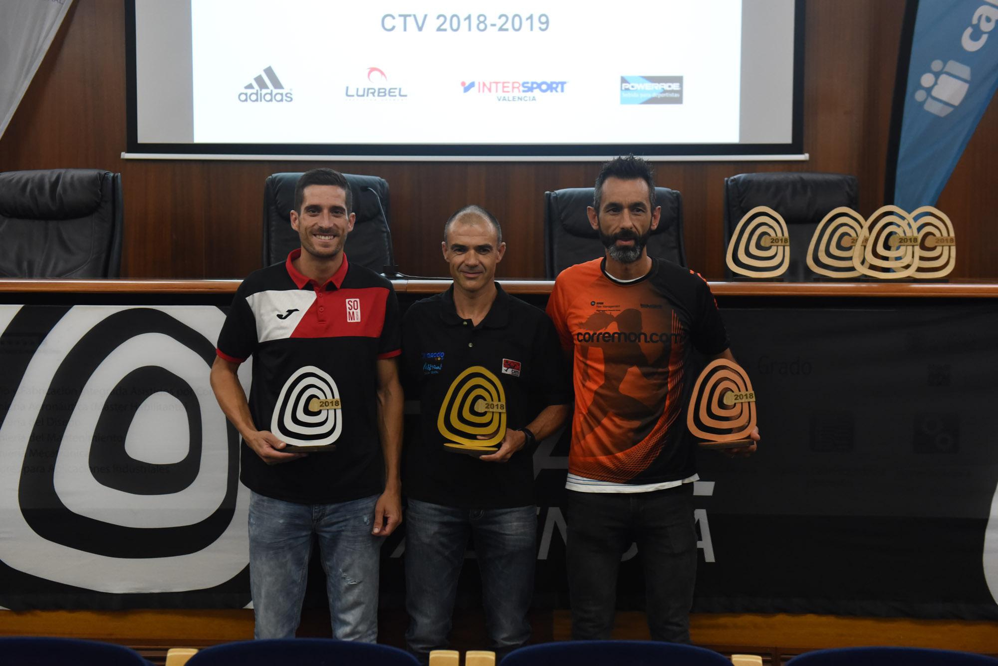Varios de los ganadores del trail de Cajamar.
