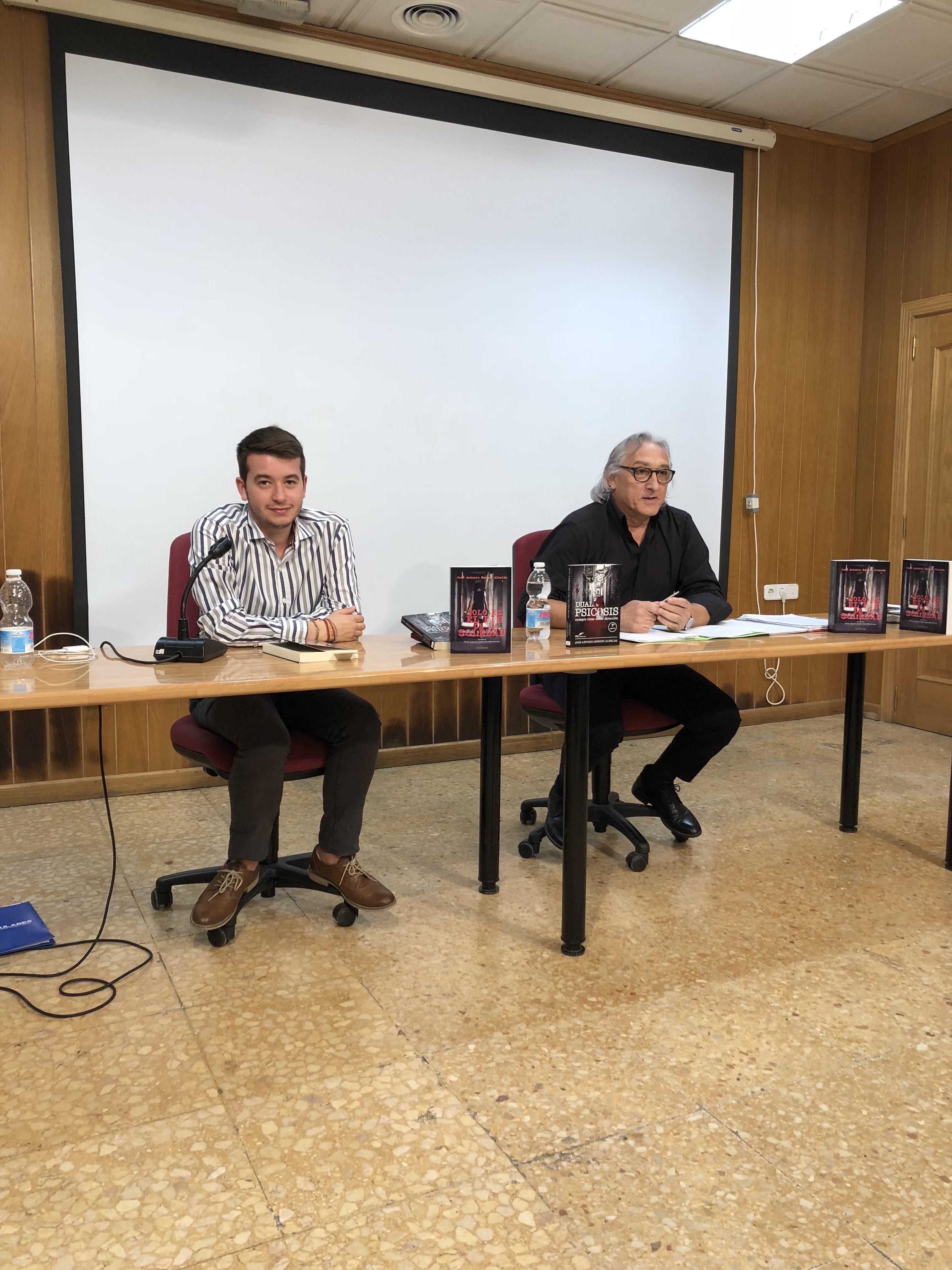 Presentación de los libros de Murgui en San Antonio de Benagéber.