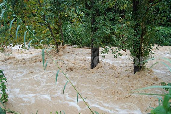 Si comienza a llover de manera torrencial, piense que hay riesgo de inundación.