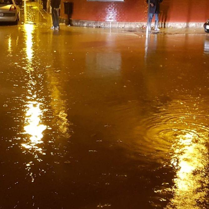 En algunas zonas del casco urbano se ha acumulado hasta medio metro de agua.