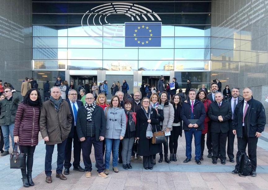 El presidente del ente, Manuel Civera, se reúne con la Dirección General de Medio Ambiente y con la Comisión de Desarrollo Regional de la UE para presentar sus estrategias en gestión de residuos.