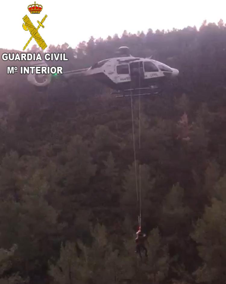 Esta persona fue localizada por la Unidad de Helicópteros de la Guardia Civil de Valencia.