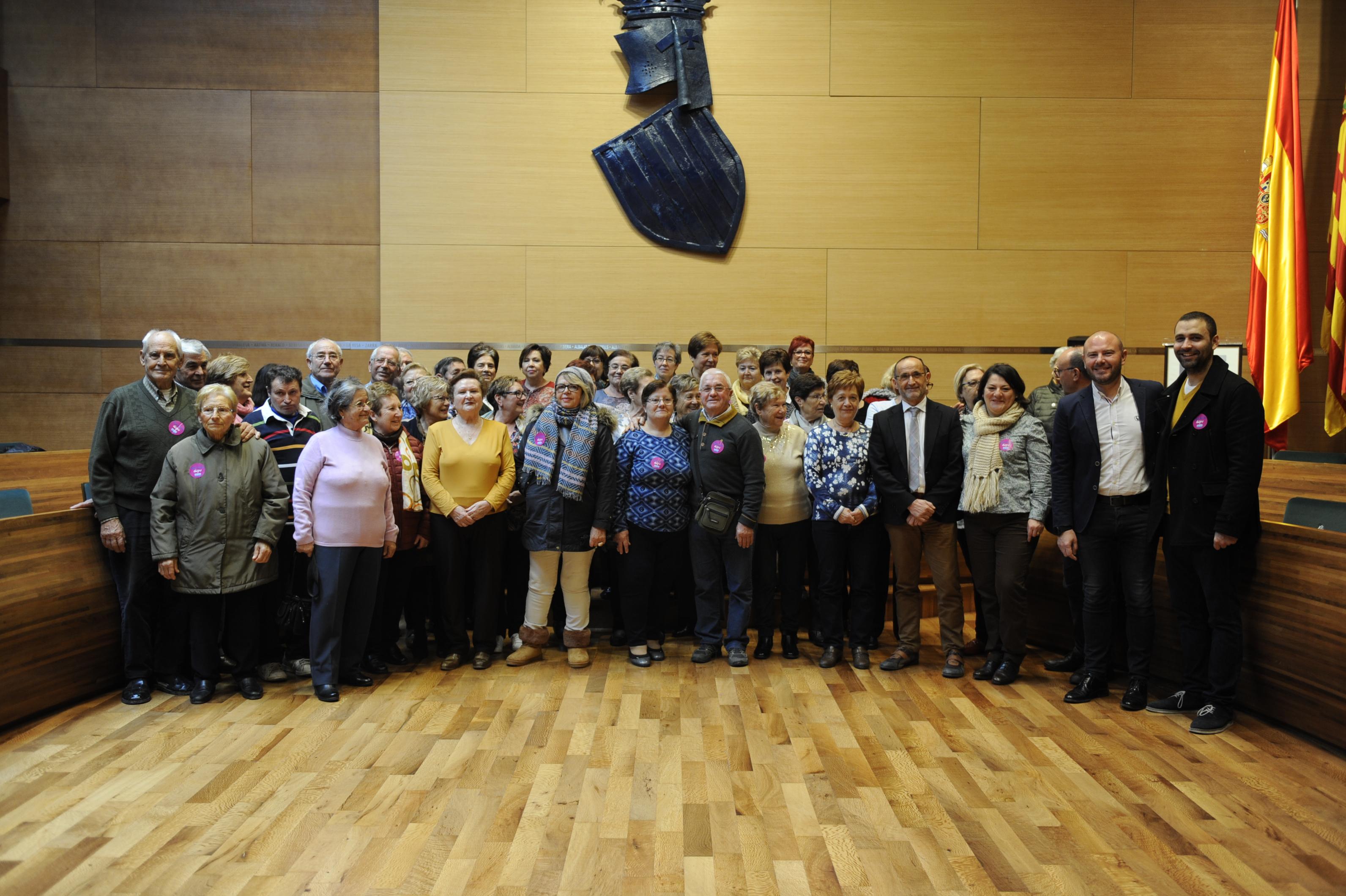 Vecinos y vecinas de Requena en la Diputació de València.