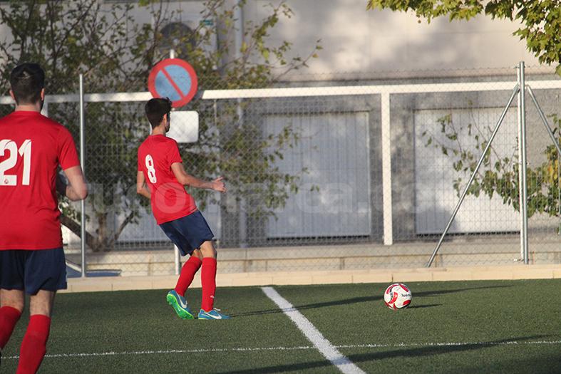 El Chiva defiende su liderato en la cabeza de la tabla de Segunda Regional. Foto: Raúl Miralles.