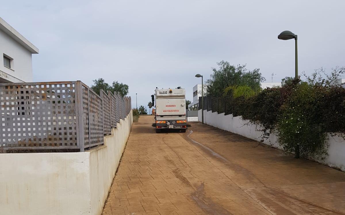 El equipo de gobierno de Riba-roja atiende así las demandas y necesidades de los vecinos de este área residencial.