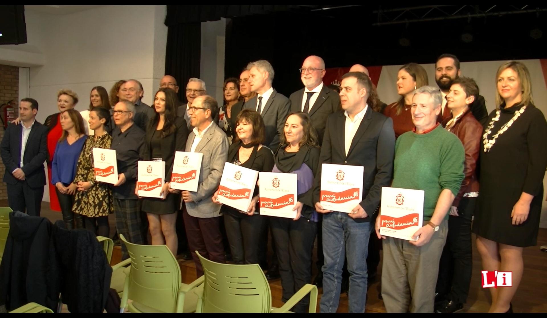 Coincidiendo con el Día de la Constitución, esta gala trata de reconocer y premiar a los ciudadanos y colectivos de l'Eliana por su trayectoria y compromiso con el municipio.