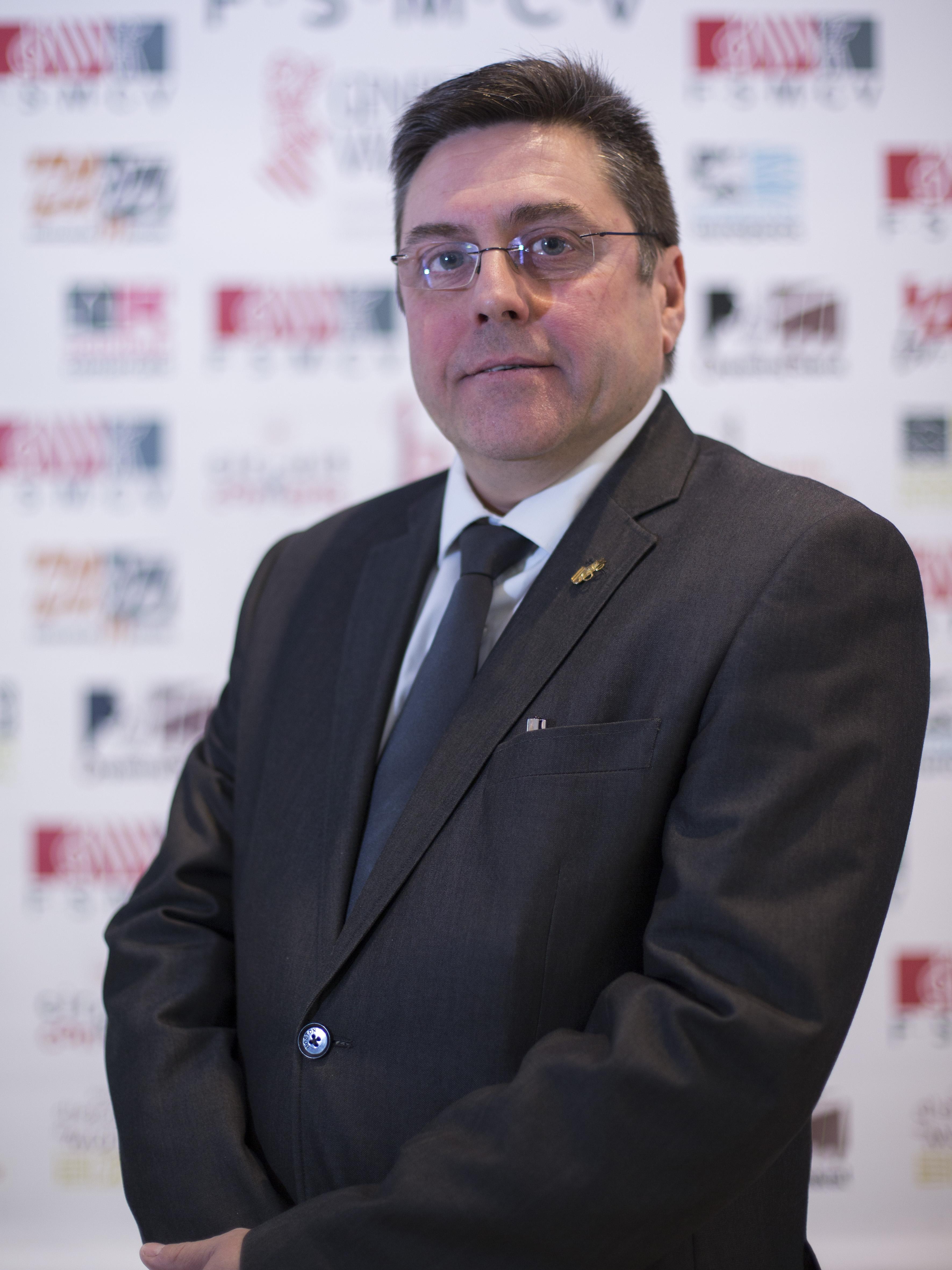 Ricardo Sales, que ha recibido el 100% de los votos, es socio de la CIM Santa Cecilia de Yátova y fue presidente de la Sociedad Musical Santa Cecilia de Macastre.