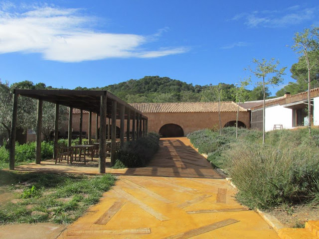 La integración paisajística del acceso al centro de interpretación ha sido una de las principales tareas realizadas.