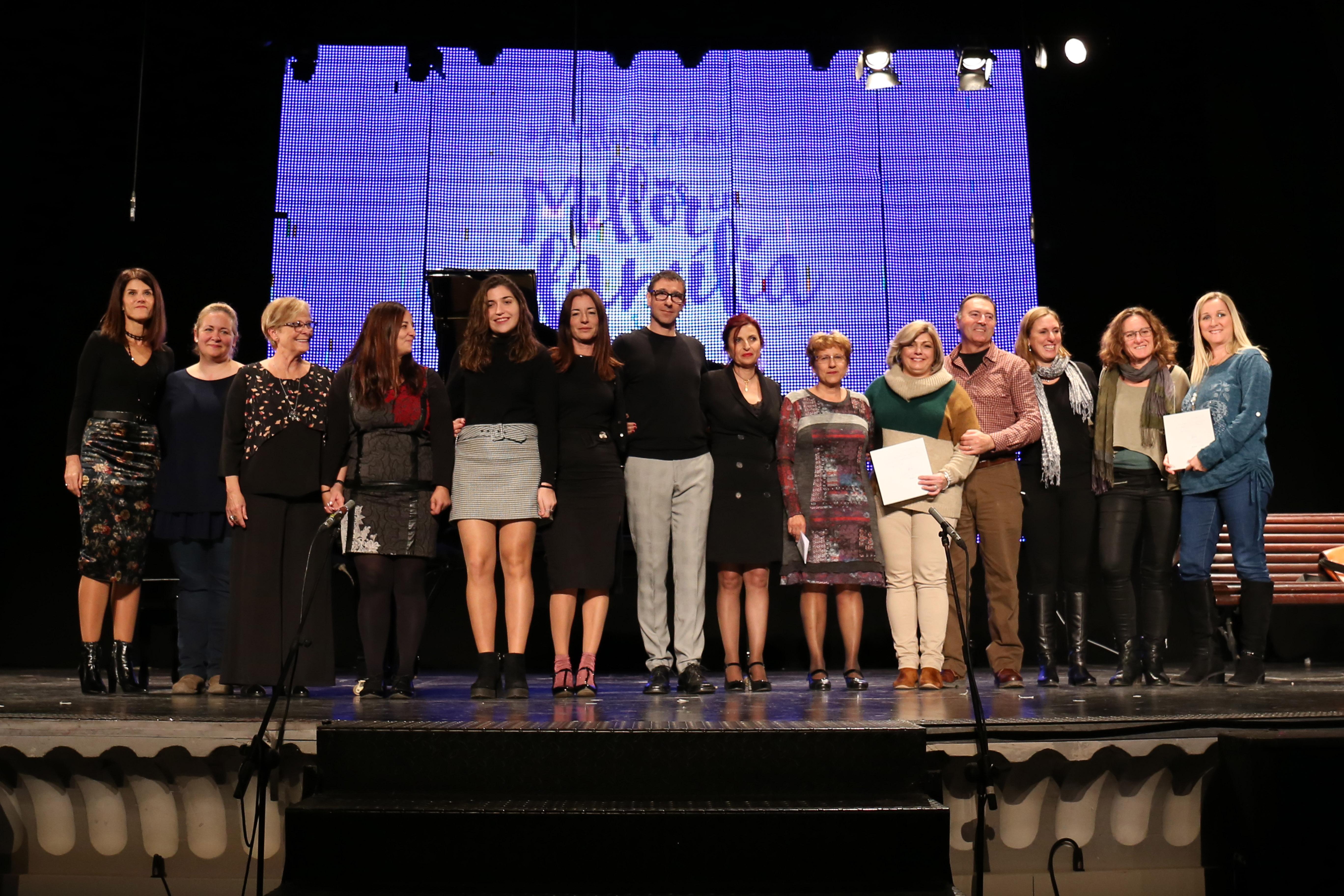 """Se rindió homenaje a todas las personas fundadoras, miembros del colectivo de educadores y educadoras de la Residencia Comarcal """"La Foia"""" de Buñol."""