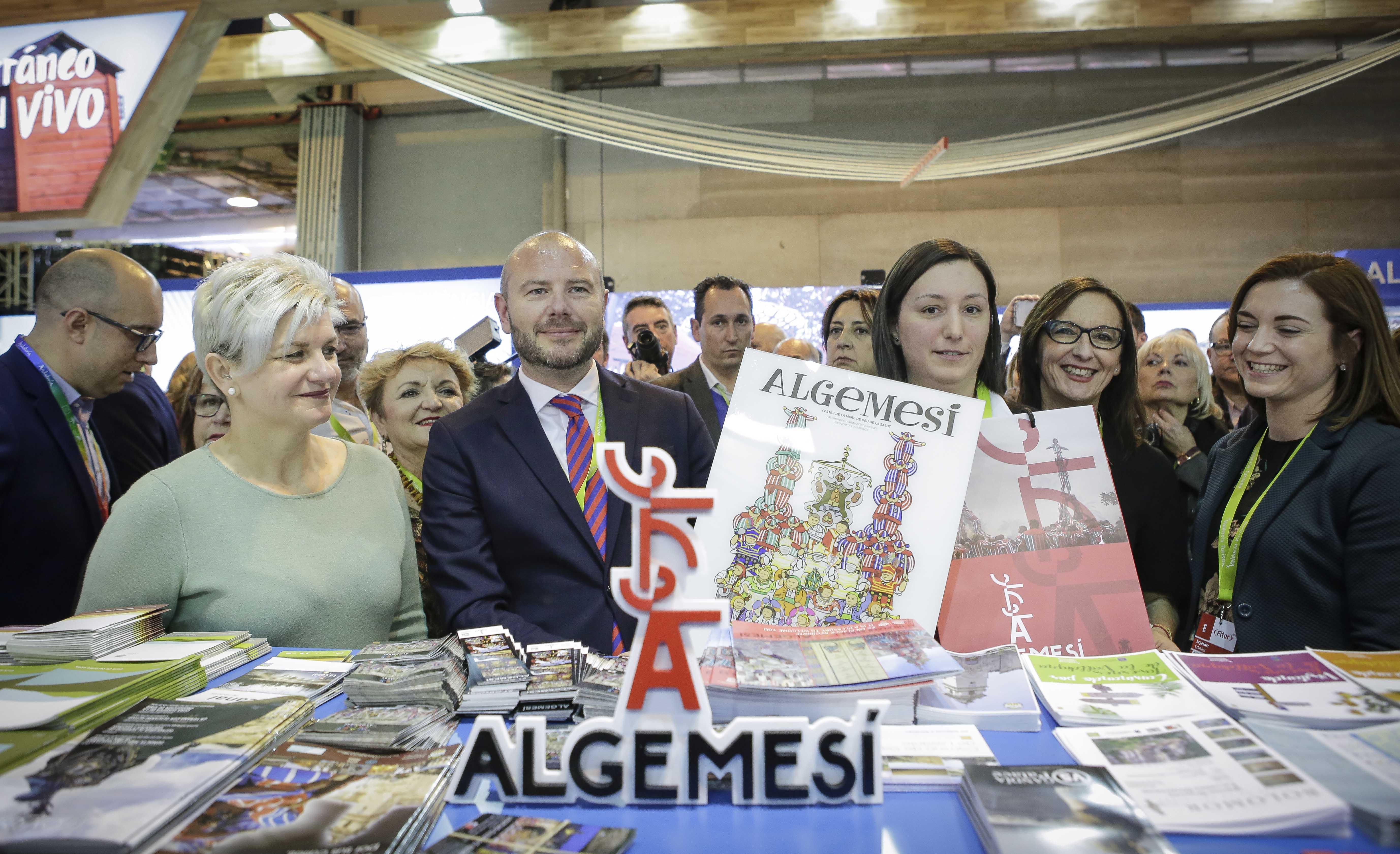 Algemesí ha llevado a Fitur su proyecto cicloturista, aunque su punto fuerte vuelve a ser el turismo cultural que encabeza la Mare de Déu de la Salut.