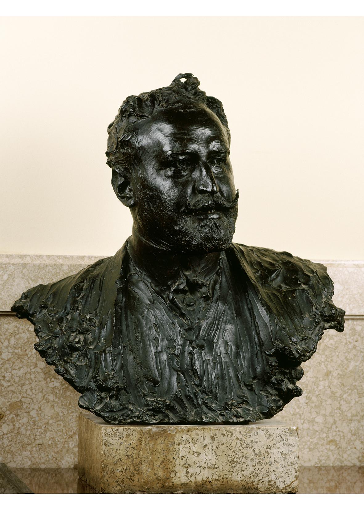 Bust de Vicent Blasco Ibañez, obra de Mariano Benlliure Gil.