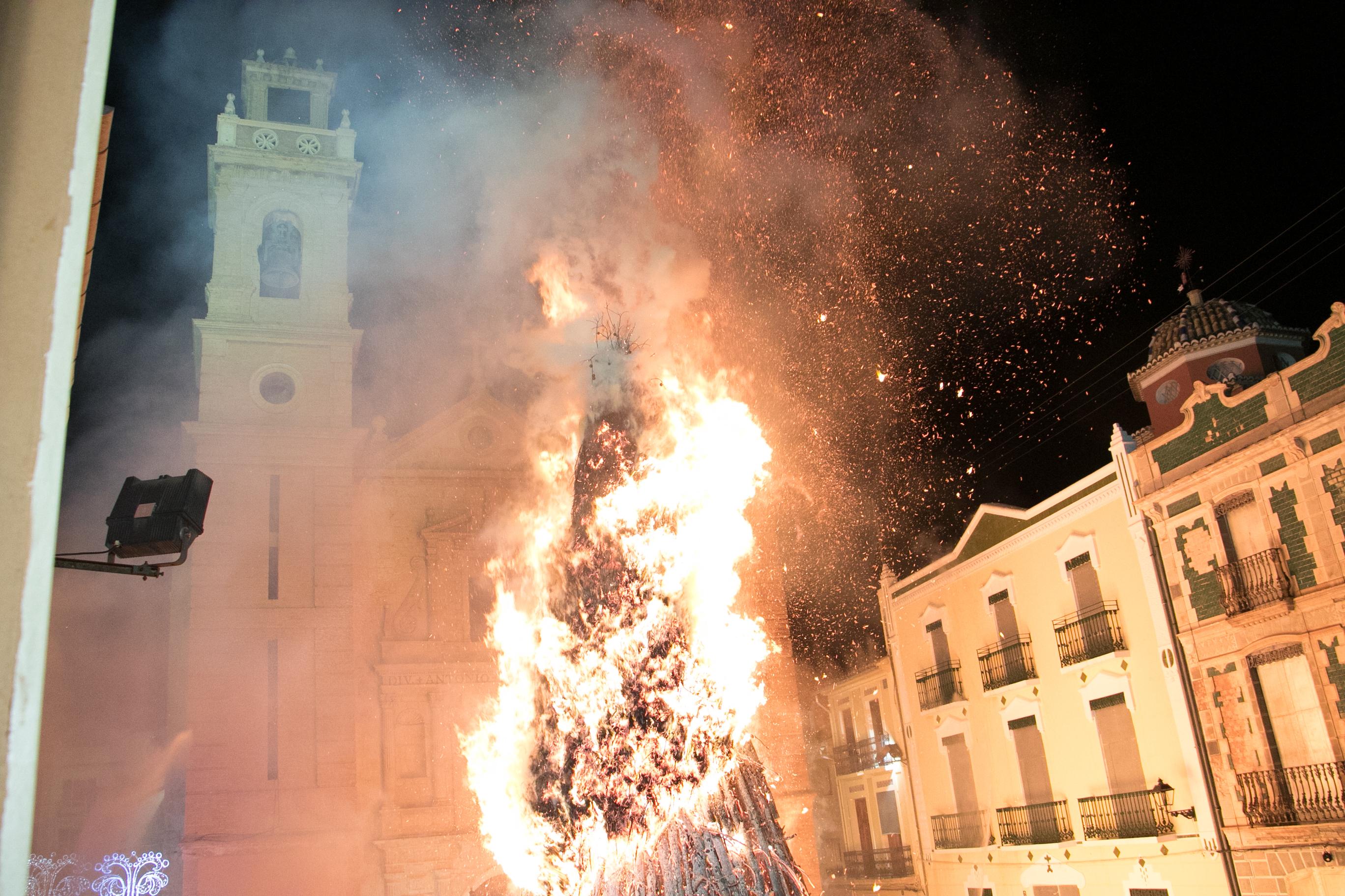 Foguera de Canals 2019. Diputació de València. Foto de Jordi Casanova