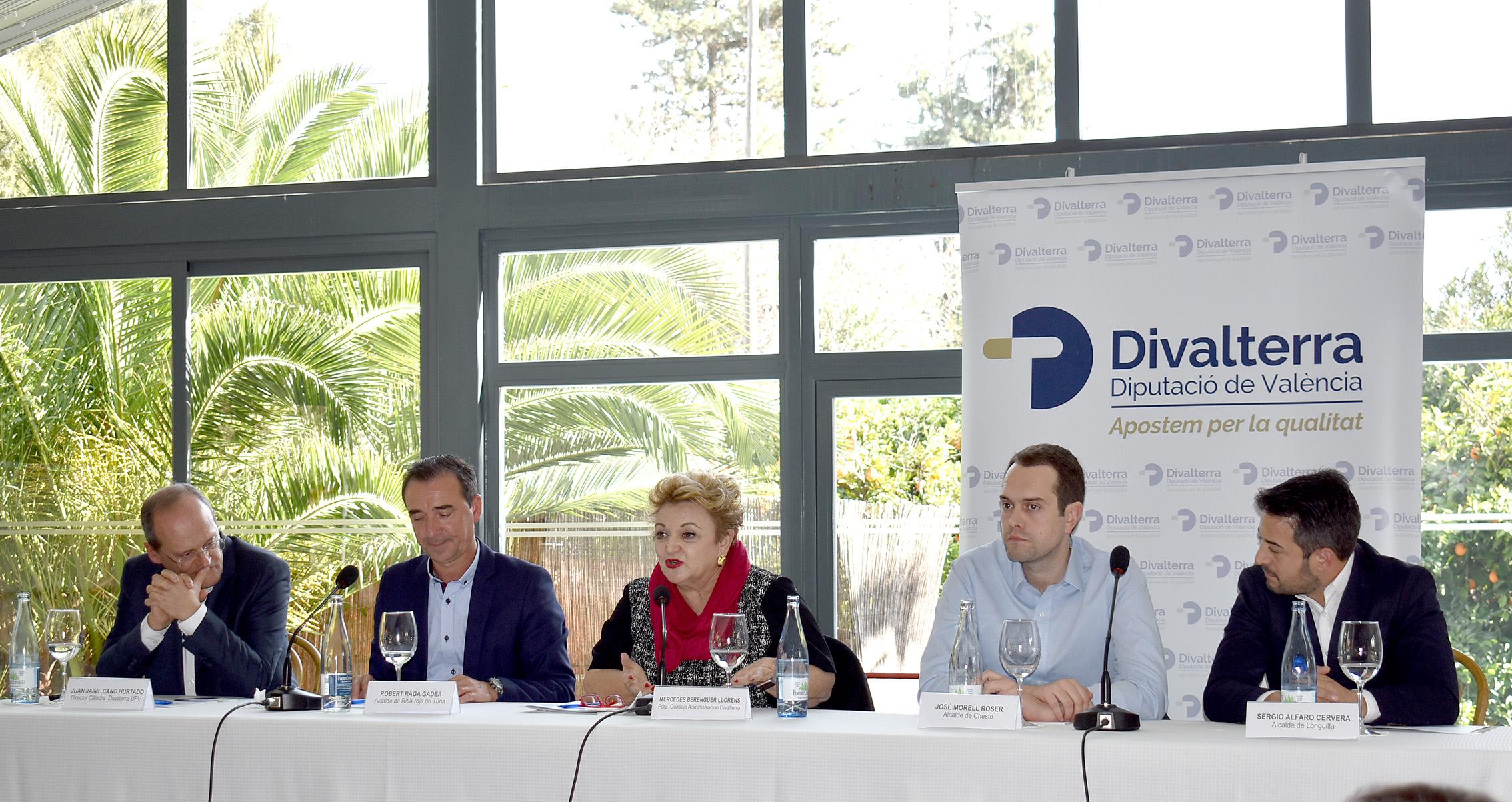 La diputada y presidenta del Consejo de Administración de Divalterra, Mercedes Berenguer, presenta el estudio elaborado por la Cátedra Divalterra, que se ha desarrollado en la Universitat Politècnica de València (UPV).