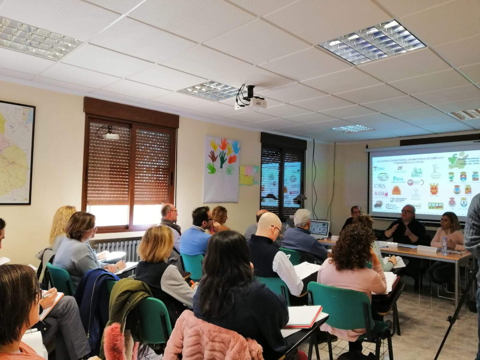 La Generalitat Valenciana destina a Programas Experimentales en la zona más de 125.000 €. El Ayuntamiento de Utiel recibirá 33.000 € para coordinación de acciones en materia de juventud.