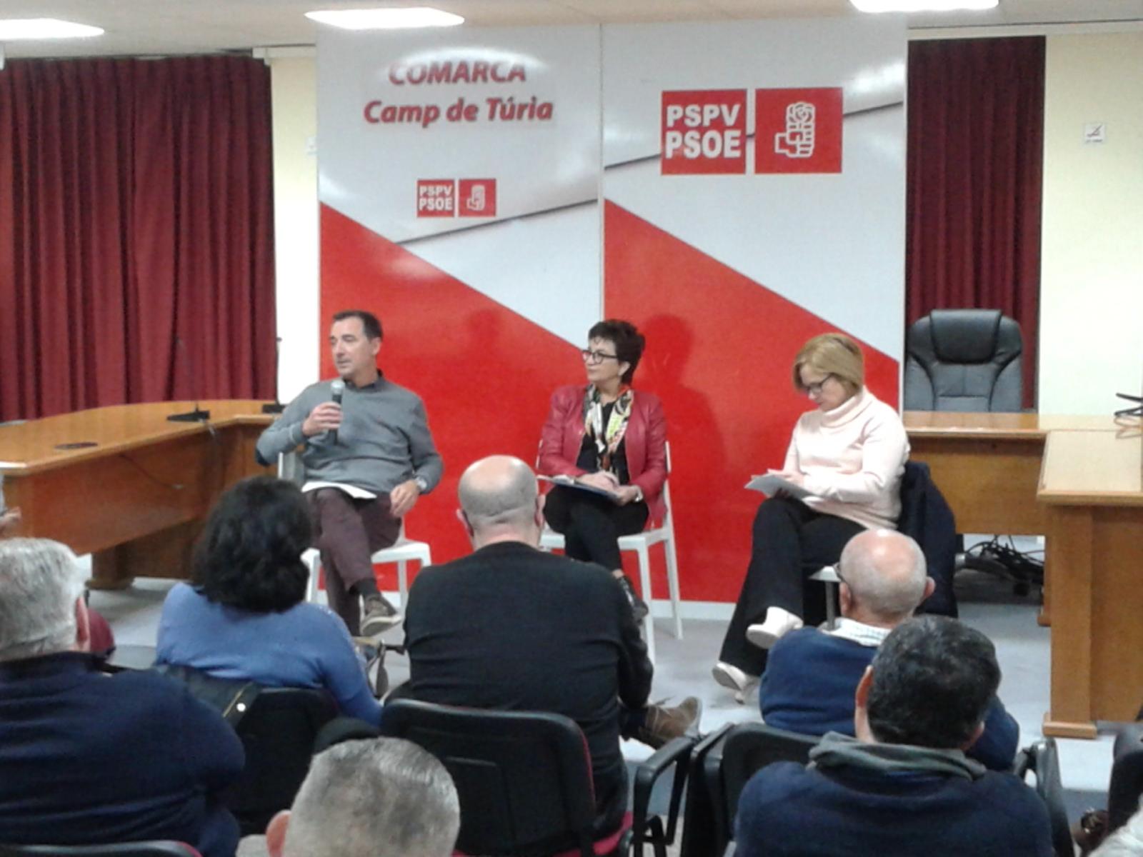 Blanca Marín junto a la diputada socialista Rosa Peris y el alcalde de Riba-Roja, Robert Raga.