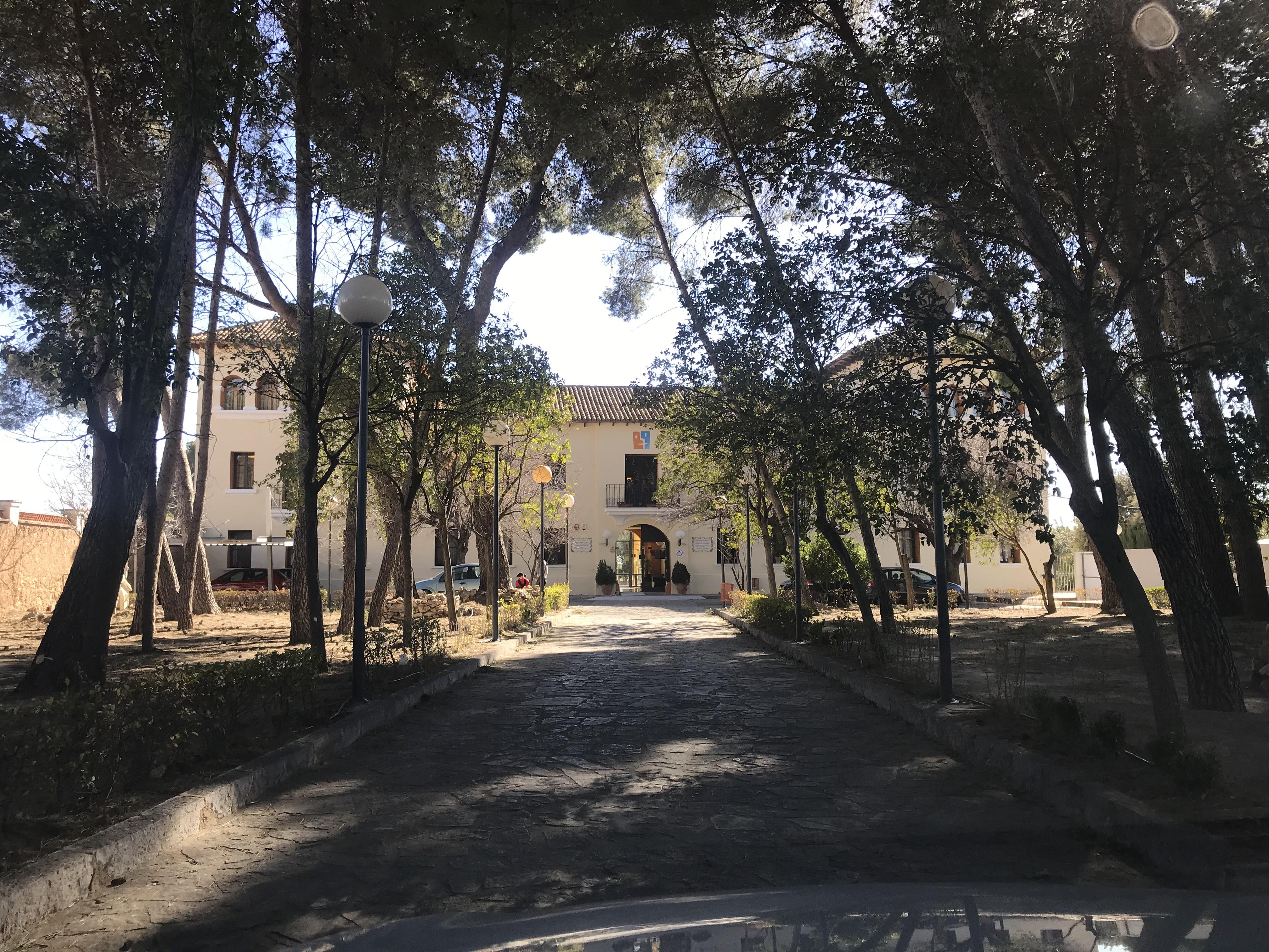 El albergue Torre de Alborache es donde se desea trasladar a los menores.
