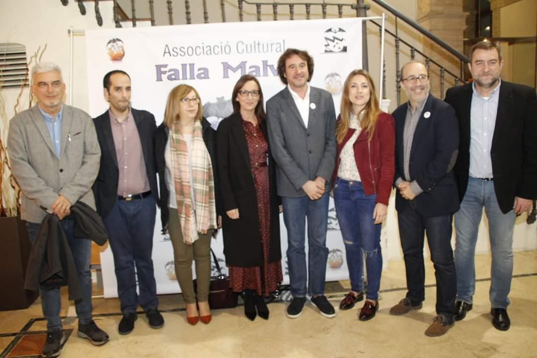 El llibret, realizado por la Falla Plaça la Malva de Alzira, también ha colaborado la vicepresidenta de la Diputació de València.