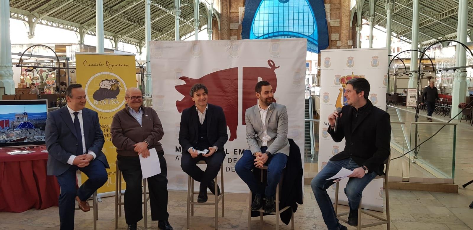 Colore ha participado en la presentación de la XXVI Muestra del Embutido Artesano y de Calidad de Requena con el alcalde de Requena y el presidente de la Asociación del Embutido de Requena.