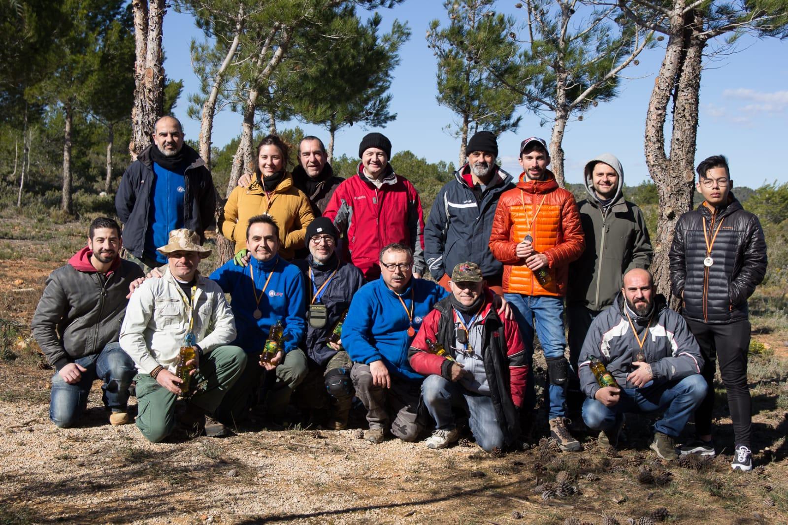 Participantes en la tirada desarrollada en Buñol.