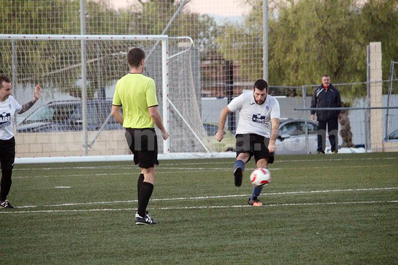 La UD Godelleta ha caído contra el Requena B. Foto: Raúl Miralles.