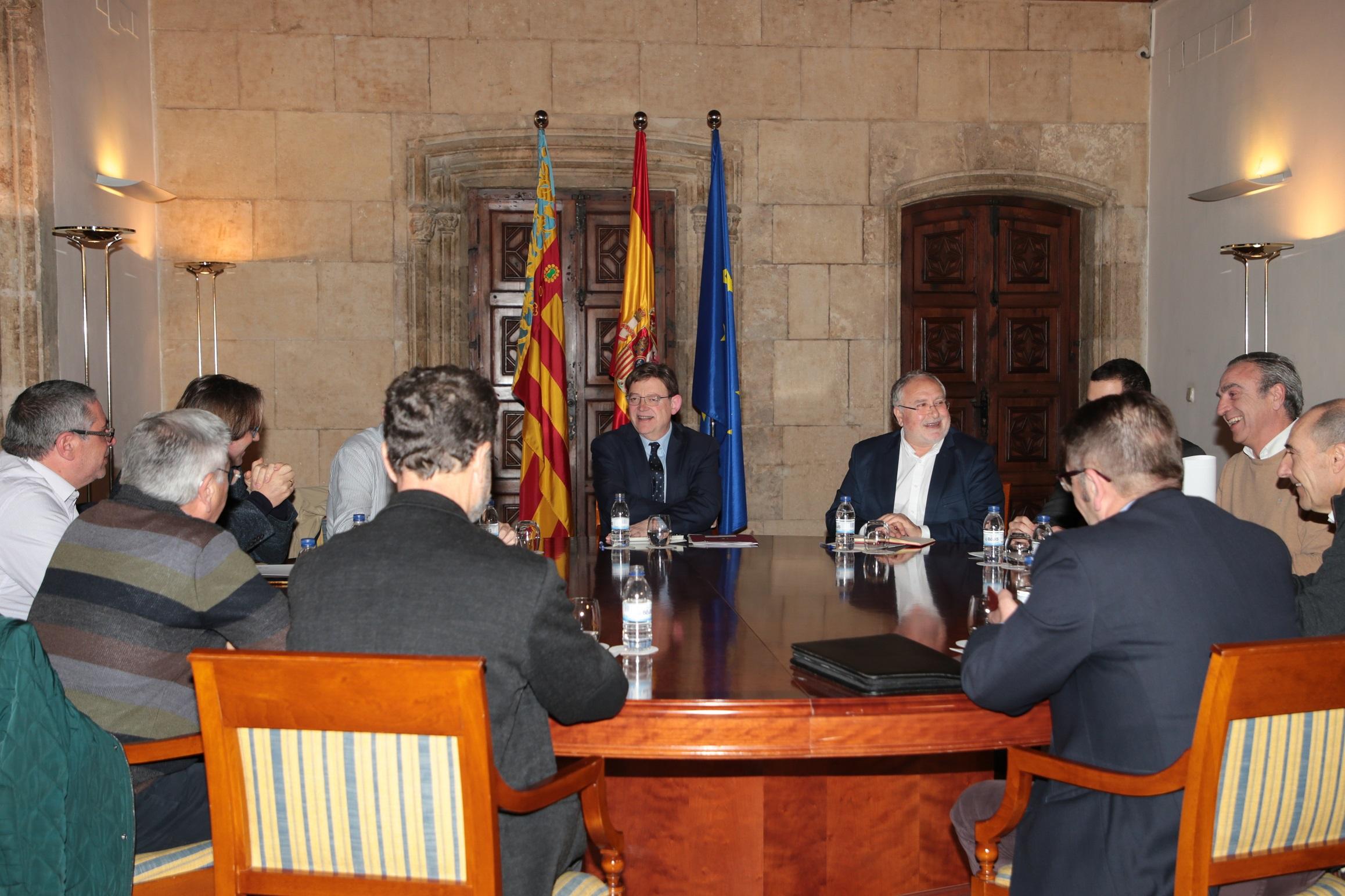 El President Ximo Puig se ha reunido con alcaldes de la comarca del Valle de Ayora-Cofrentes.