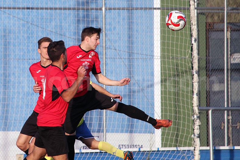 El Atlético Turís va colista. Foto: Raúl Miralles.