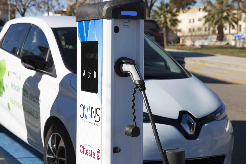 Cheste ha tenido 45 recargas de coches eléctricos en menos de un mes.