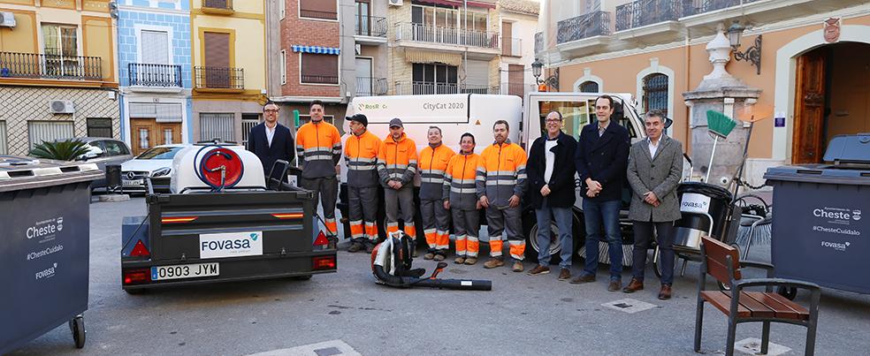 Cheste presentó los nuevos equipos que se han incorporado al servicio de limpieza viaria del municipio.
