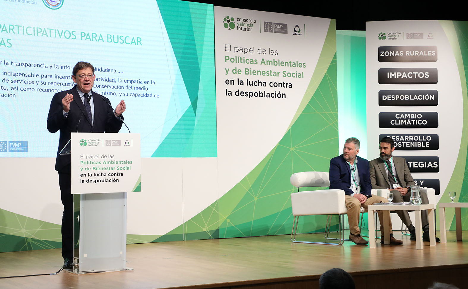 """El president se compromete a """"redoblar los esfuerzos"""" para revertir la despoblación de las comarcas del interior con medidas de """"discriminación positiva""""."""