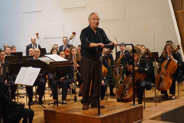 La segunda parte comenzó con el estreno de un pasodoble compuesto por un músico litrero, Manuel Ramón Mas.