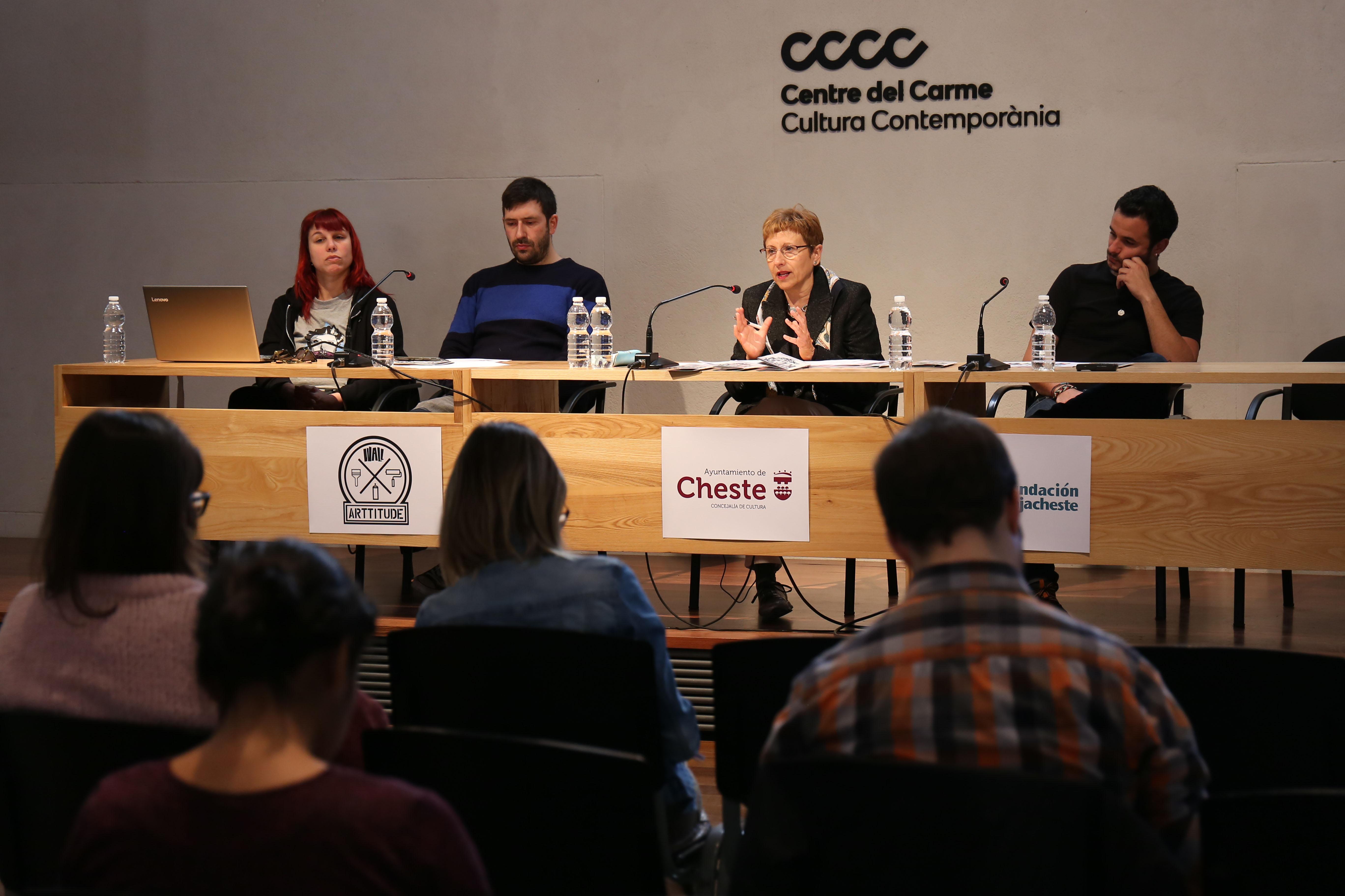El Centre del Carme ha acogido la presentación de la cuarta edición del festival de arte urbano 'Graffitea Cheste' organizado por la Concejalía de Cultura y la asociación Wall Arttitude.