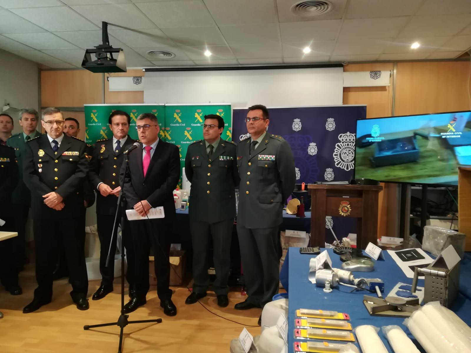El Delegado del Gobierno durante la rueda de prensa sobre la operación.