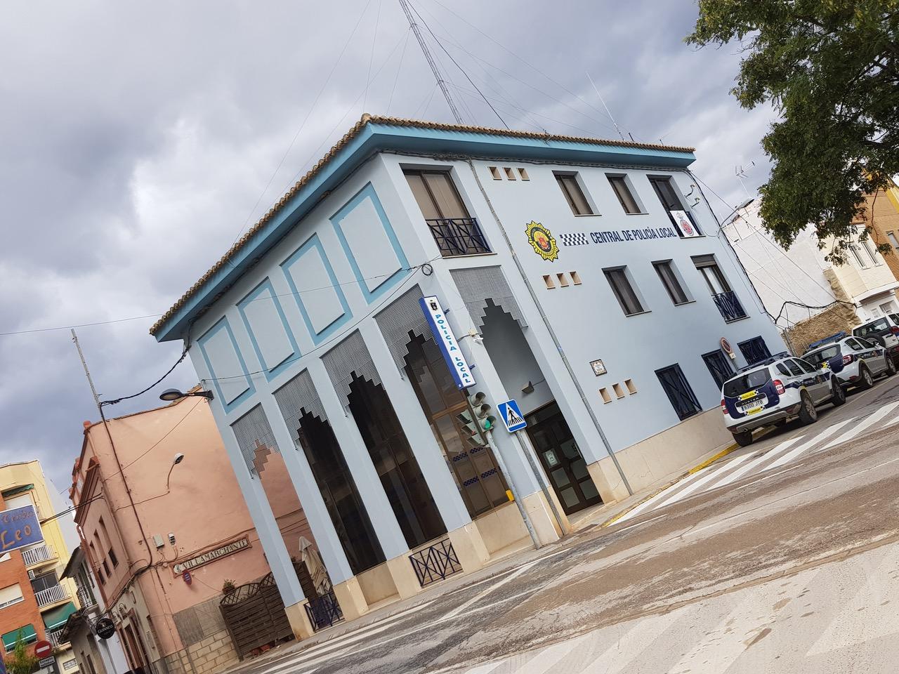 Vilamarxant ha convocado siete plazas de agentes de policía local.