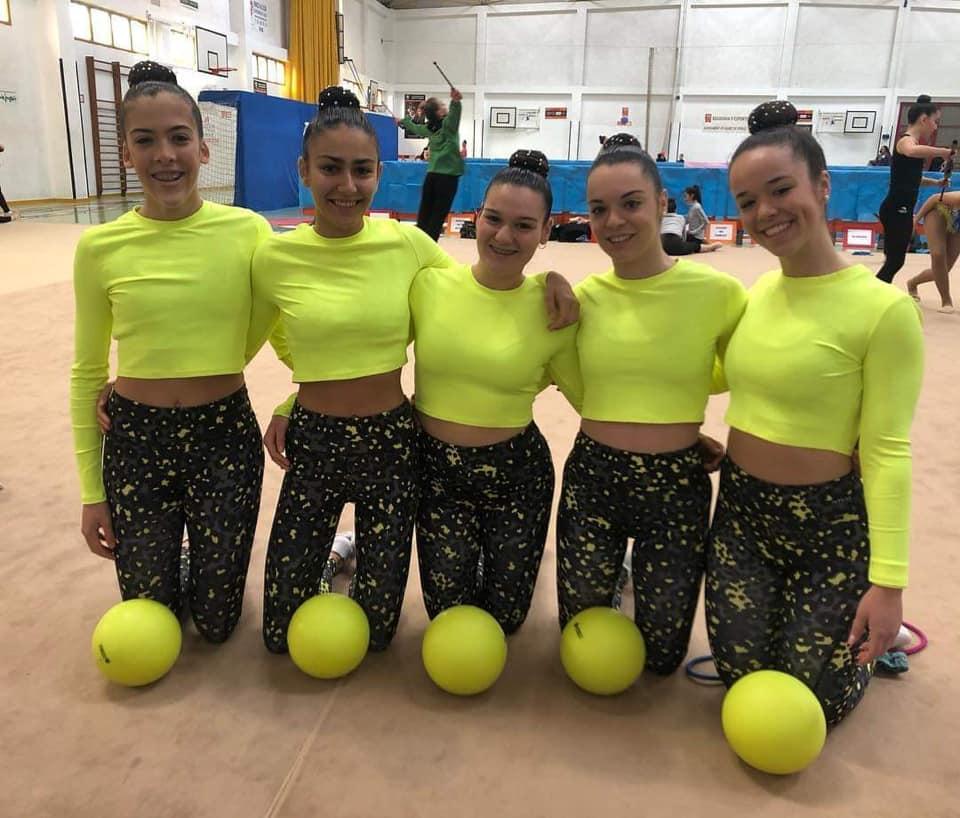 Las gimnastas juveniles del Club de Gimnasia Rítmica.