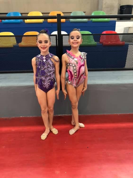 Las gimnastas Paola y Amaia.