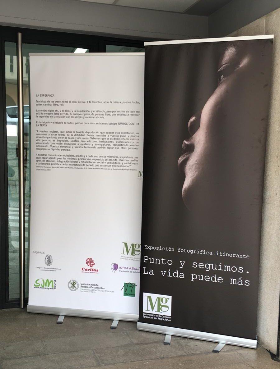 Una de las imágenes de la exposición promovida por el Secretariado de la Comisión Episcopal de Migraciones a través de la Sección de Trata de Personas.