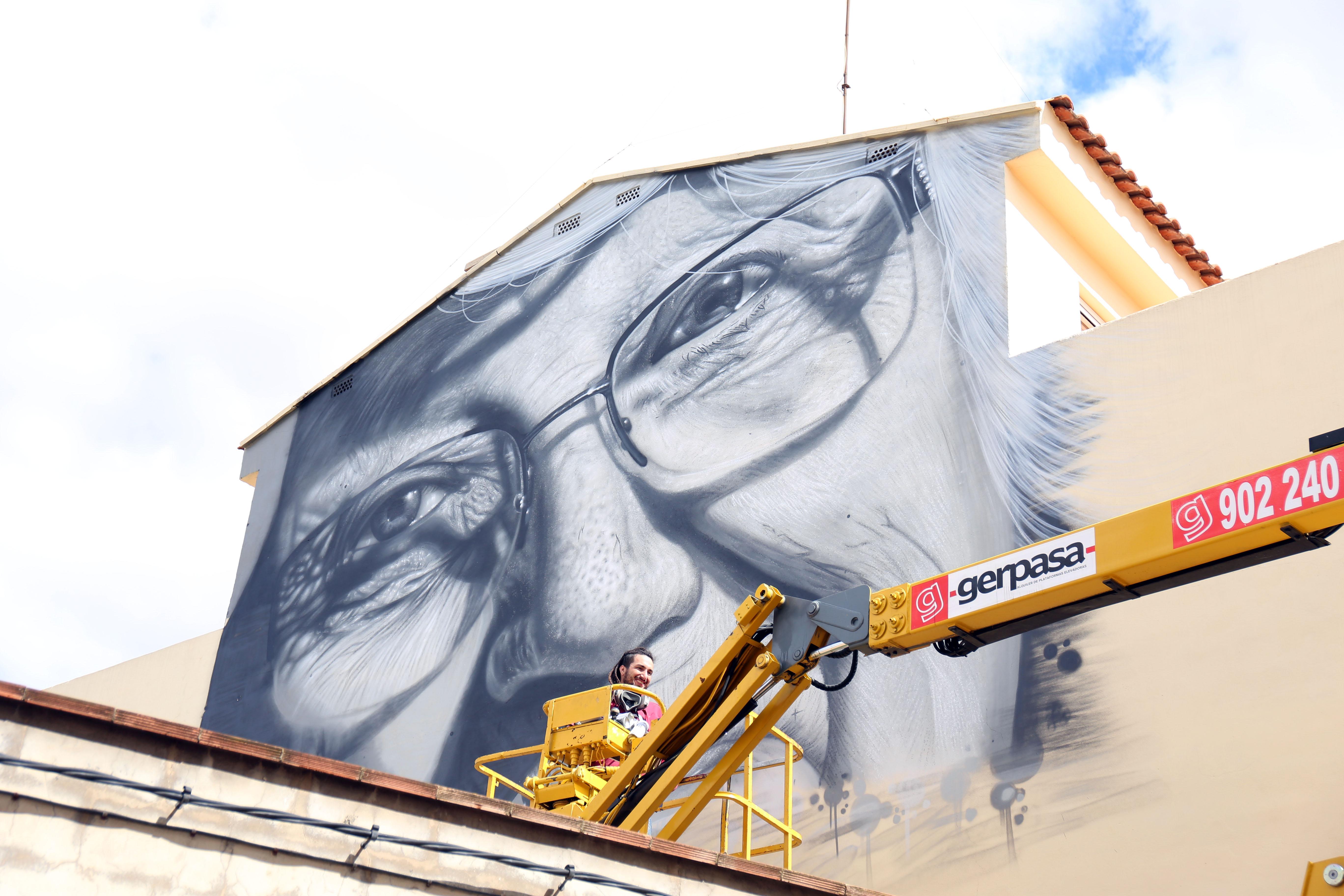 Cheste consolida su apoyo al arte urbano con la cuarta edición de Graffitea.