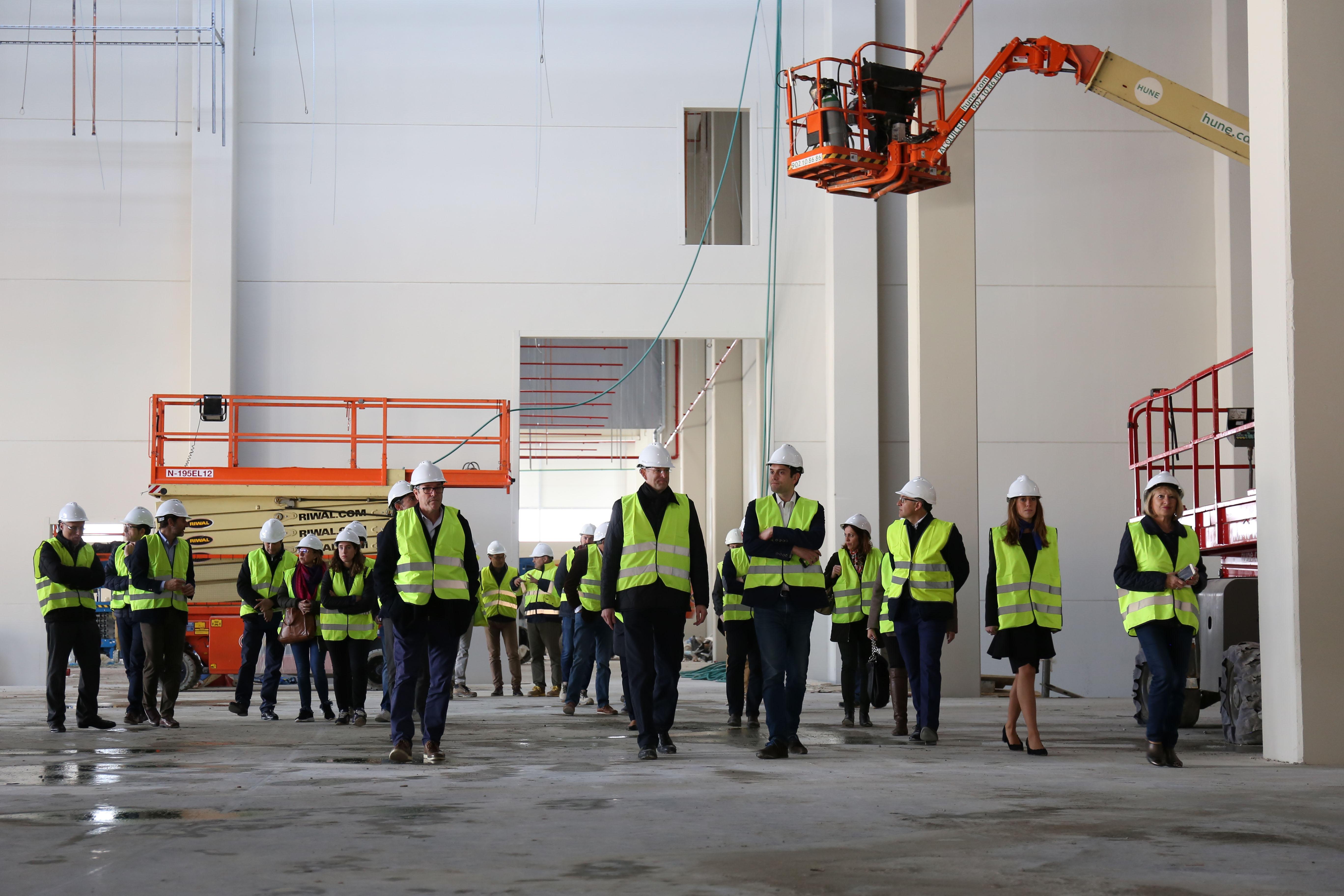 El almacén tendrá capacidad para más de 30.000 palés y contará con 140 muelles de descarga.