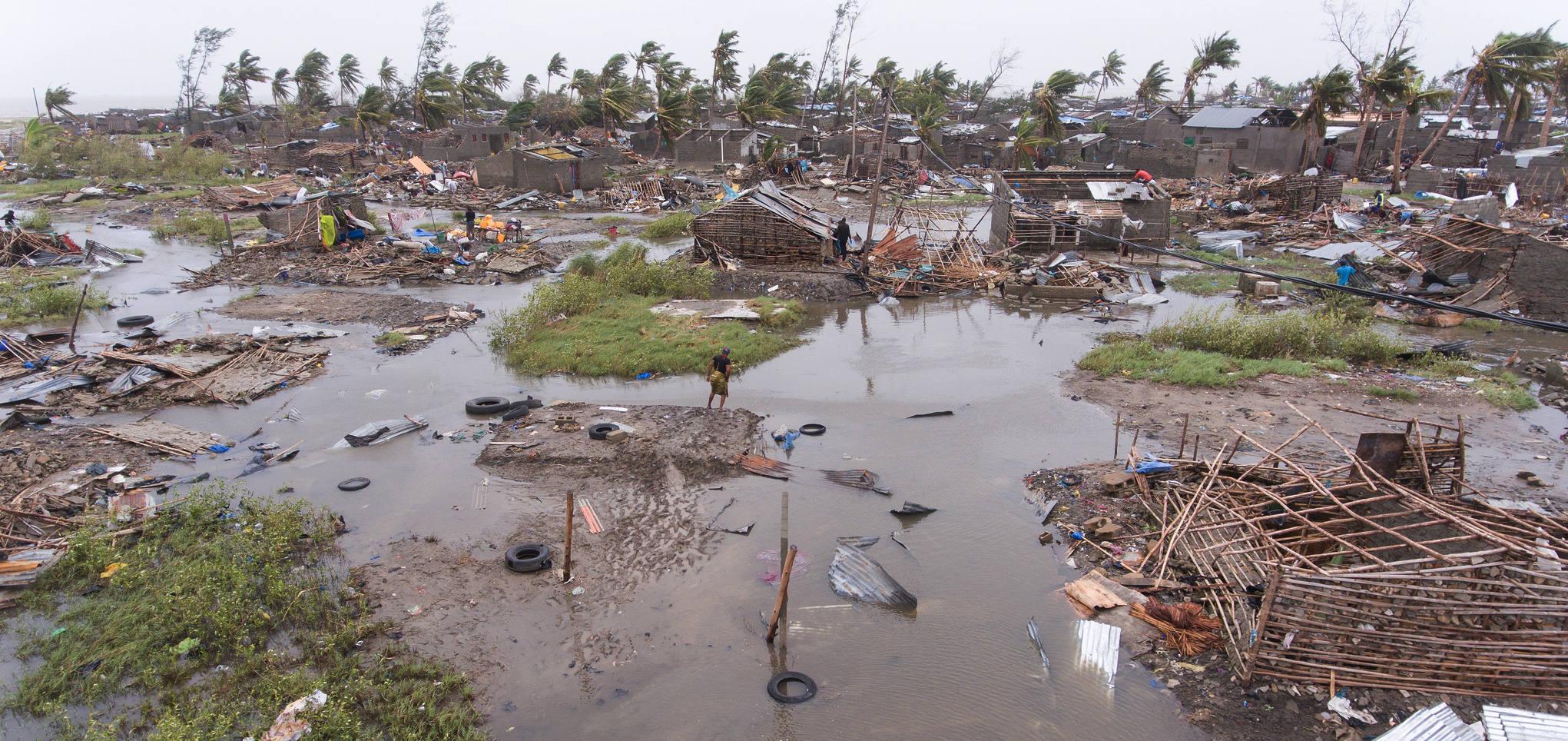 """El Ayuntamiento de Utiel solicita la colaboración de voluntariado para las tareas de almacenaje y carga de los materiales destinados a los afectados por el ciclón """"Idai""""."""
