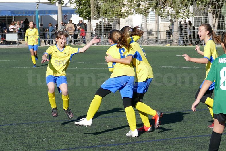 Victoria del equipo femenino de CD Cheste.