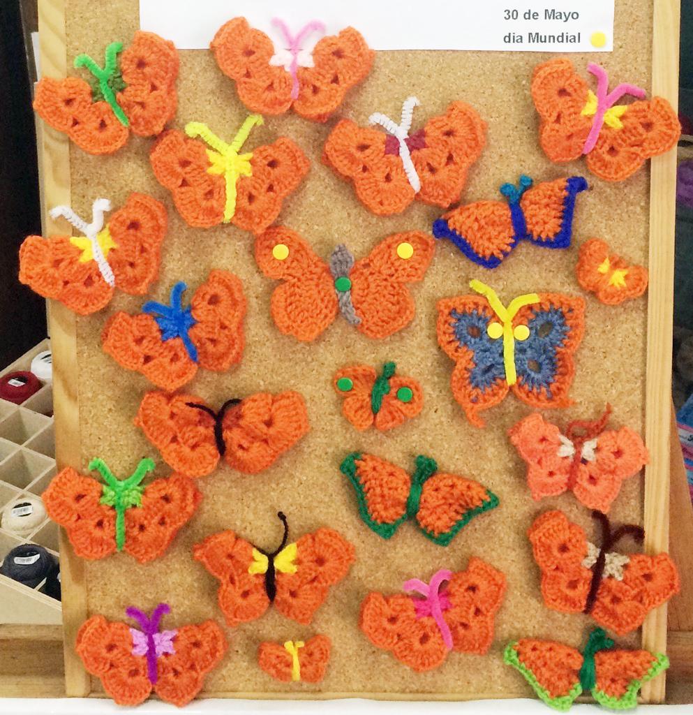 Una pequeña muestra de las Mariposas Naranjas de Ganchillo Solidario.